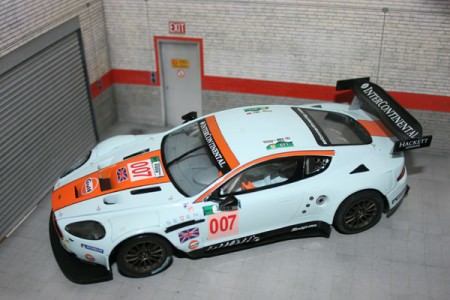 Carrera Aston Martin DBR9