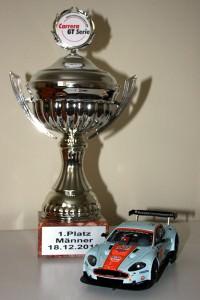 Carrera Aston Martin DBR9 und der Pokal