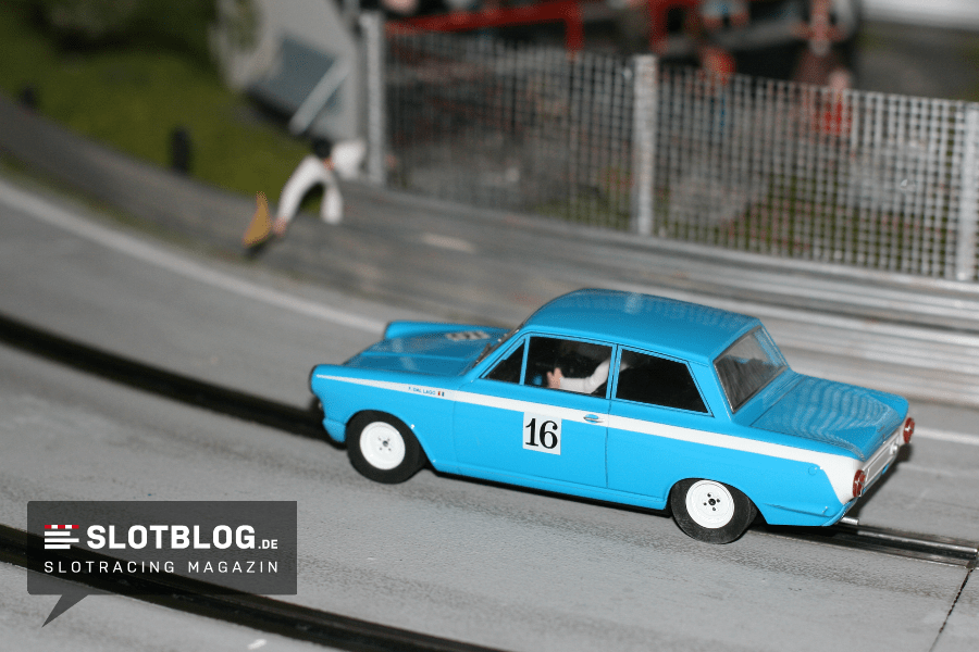 Scalextric Ford Lotus Cortina Umbau auf Digital 132