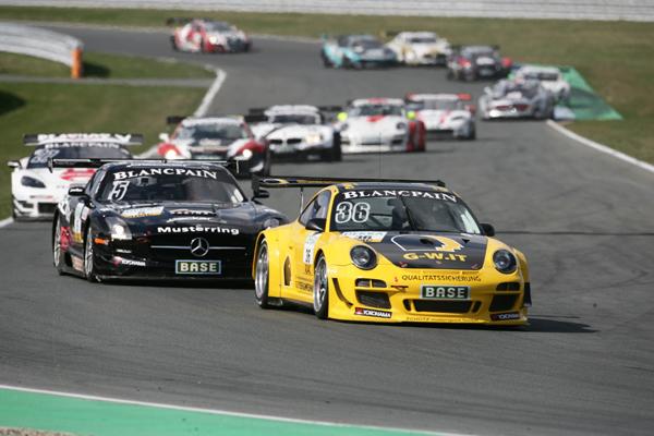Porsche-Sieg durch Engelhart/Tandy im Herzschlagfinale