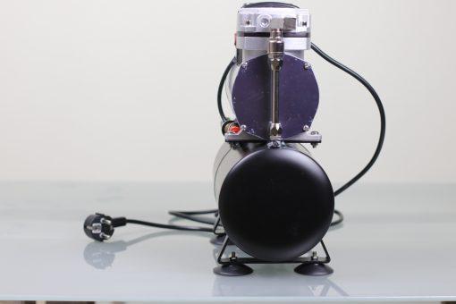 Airbrush Kompressor mit 3 Liter Druckbehälter und Ein-Aus-Dauer Schalter Rückseite