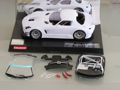 Carrera Digital 124 Mercedes SLS AMG GT3 mit Rohkarossiere Whitebody