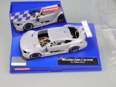 Carrera Digital 132 Mercedes-AMG C 63 DTM mit Rohkarossiere Whitebody mit Box