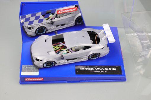 Carrera Digital 132 Mercedes-AMG C 63 DTM mit Rohkarossiere Whitebody mit Box