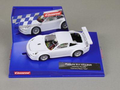 Carrera Digital 132 Porsche 911 GT3 RSR mit Rohkarossiere Whitebody