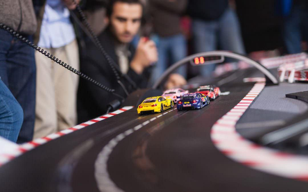 Carrera Profi 2018:  Wer ist der schnellste Rennfahrer?