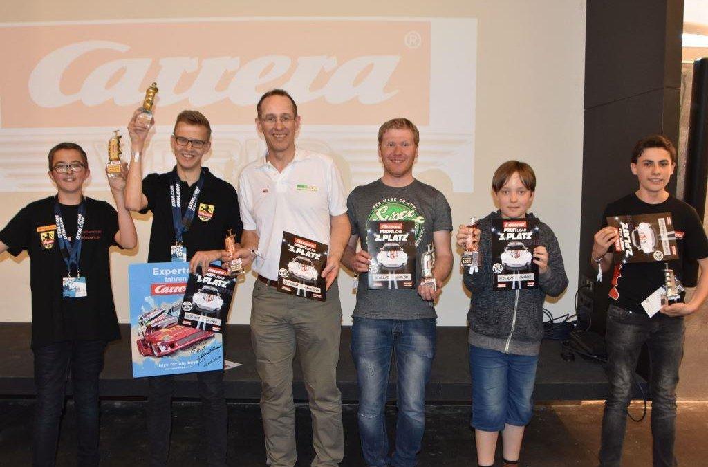 """Carrera feiert seinen neuen """"Carrera Profi Liga""""-Champion 2018"""