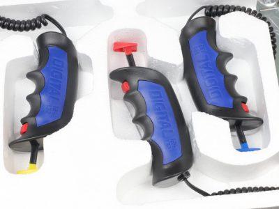 Drei Carrera Digital 132124 Daumendrücker Controler 30340 (gelb, rot, blau)