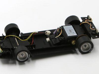 Fahrwerk ohne Decoder BMW M1 Procar Carrera Digital 124 - silberne Felgeneinsätze