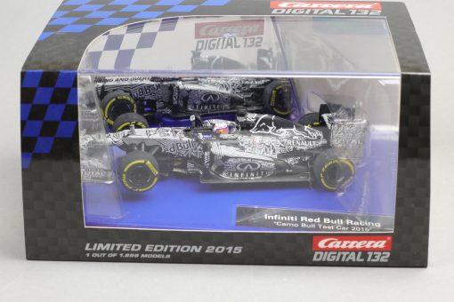 Infiniti Red Bull Racing Camo Bull test Car 2015 Carrera Digital 132 30729