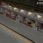 Festaufbau Autorennbahn