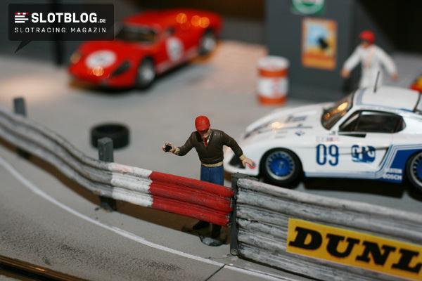 Carrera Autos schneller machen?