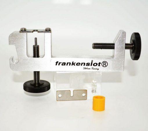 Ritzelabzieher und Aufpresswerkzeug für Slotcar Motoren mit 2mm Welle Version