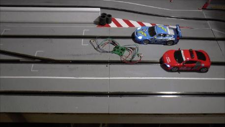 Anticrashschaltung von slotrace-tec.de für die Carrera Doppelweiche